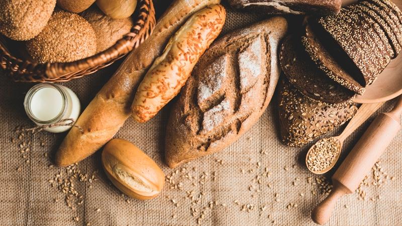 Nybakat färskt bröd